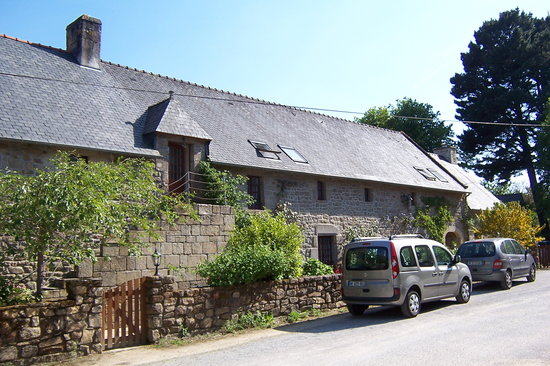 Reuze B&B : B&B in 1700's stone building, private entrance at top of stairs.