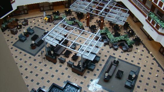 Embassy Suites by Hilton Dulles - North/Loudoun: View of lobby area from 4th floor
