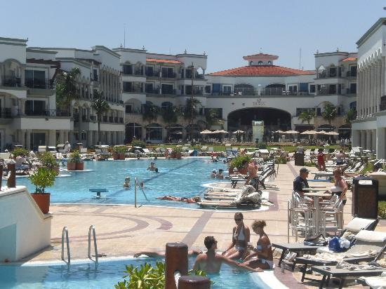 The Royal Playa del Carmen: Pool