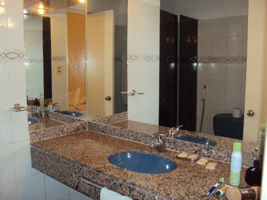 Hotel California: Banheiro