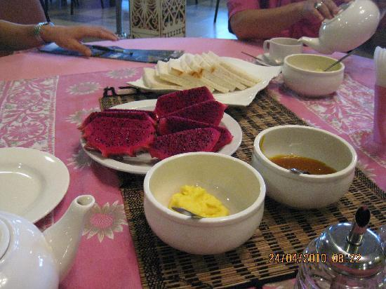 Telang Usan Hotel: Our Breakfast, Simple and Healthy