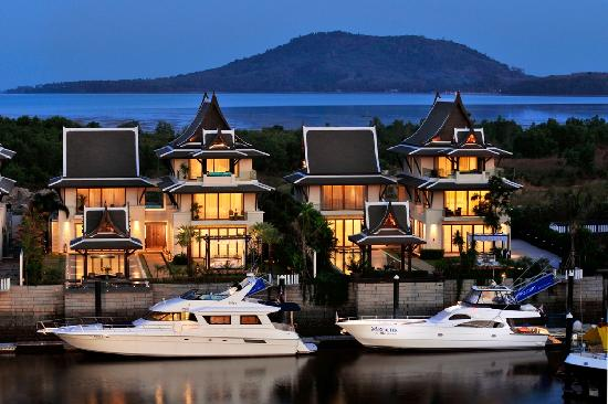 Koh Kaew, Thailand: Waterfront Royal Villa - External view