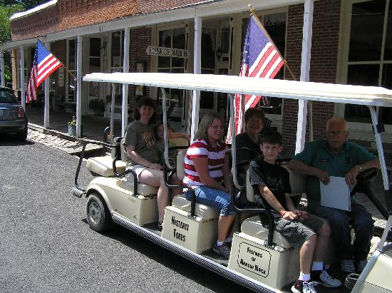Arrow Rock State Historic Site: The golf-cart tour