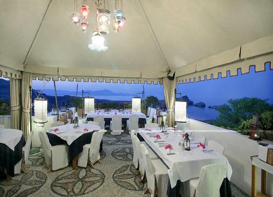 Melenos Lindos Restaurant: Roof top Restaurant