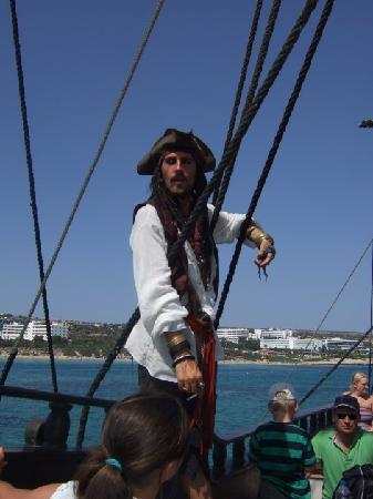 The Black Pearl : cpt jack sparrow