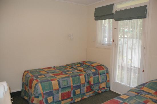 Ashleigh Court Motel: Bedroom 2