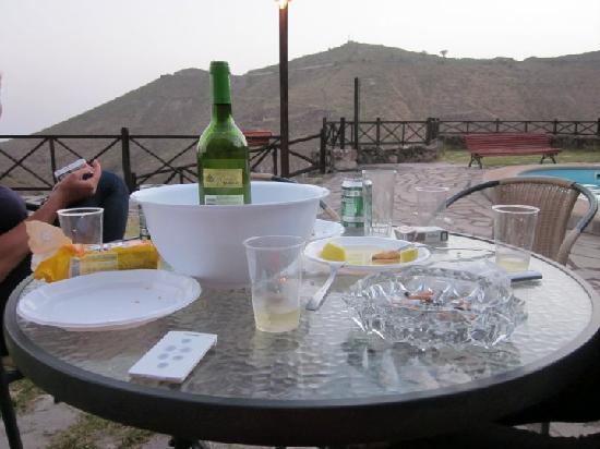 Casa Vera de la Hoya: Terracita, comida, bebida y buenos amigos