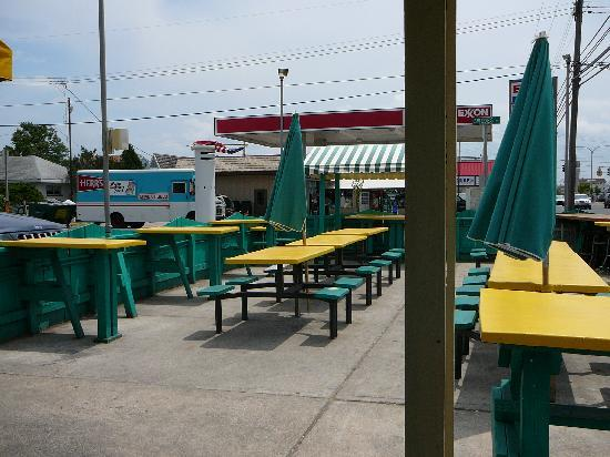 Dewey Beach, DE: Exterior dining area at Ed's Crabs