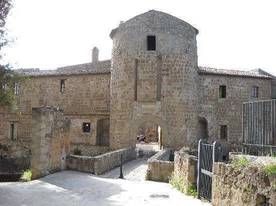 Hotel della Fortezza: L'ingresso