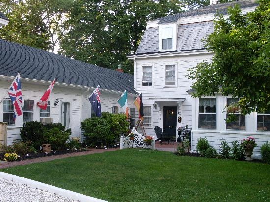 The Old Manse Inn: beautiful new England style comfort!