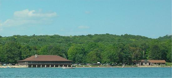 WilloWood Inn: North Shore Devil's Lake