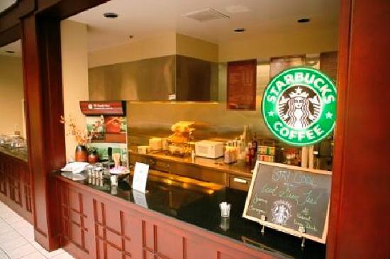 Crowne Plaza Arlington: Starbucks Coffee