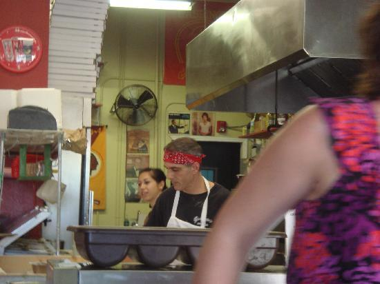 Giannotto's Pizzaria: Cooking our PIzza