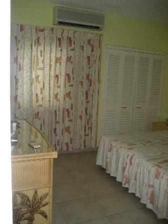 Plum Tree Club on Rockley Golf Course: Rockley Plum Tree bedroom