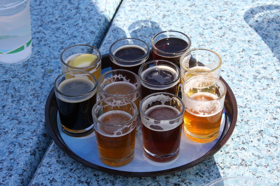 Half Moon Bay Brewing Company : beer sampler