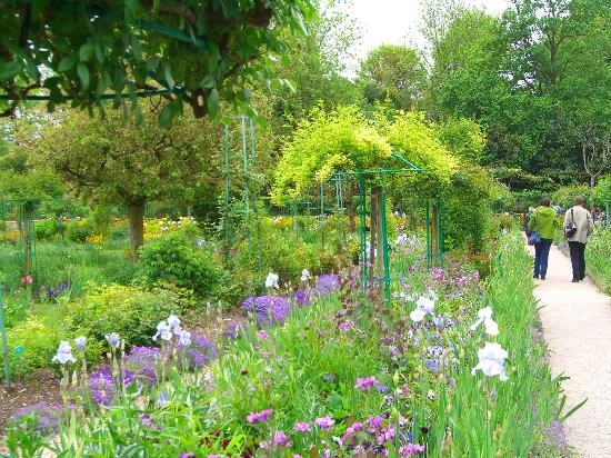Giverny, France: garden row