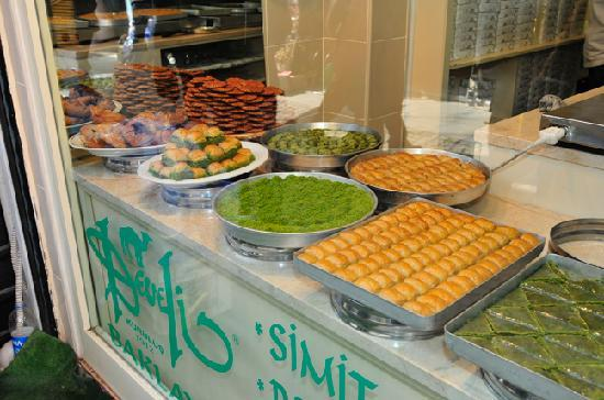 Bitinya Day Tours: another photo of my favorite baklava shop - get the pistachio one - it's the best!