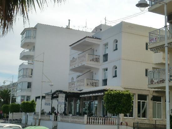 Hotel Altaya: Hotel Aussenansicht