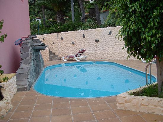 Inn & Art Cottage: Schwimmbad Inn & Art bei den Appartements