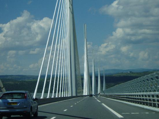 Ibis Millau : Crossing the Millau Bridge