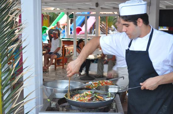 Stella Palace Resort & Spa: barbeque grec
