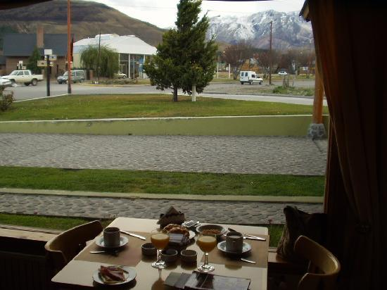 Hosteria Cumbres Blancas: Vista desde el salon
