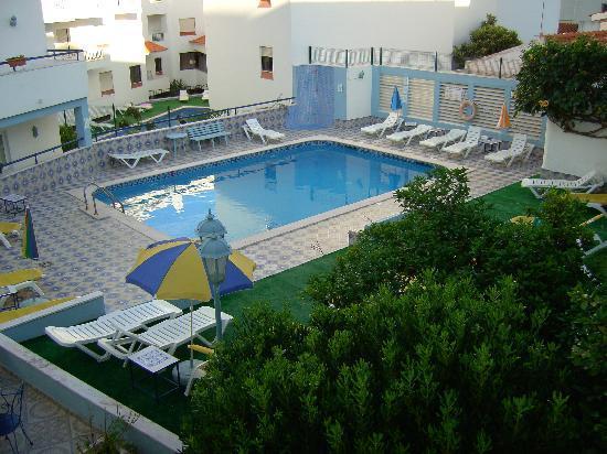 Casa Mitchell Apartments: pool