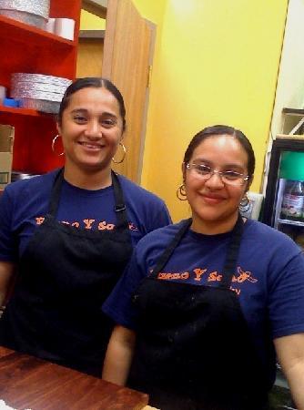 Bueno Y Sano: Service with a smile!