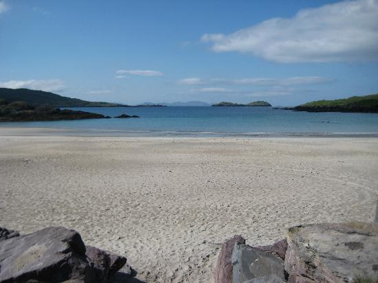 Derrynane Bay House : The Beach in Cahrdaniel