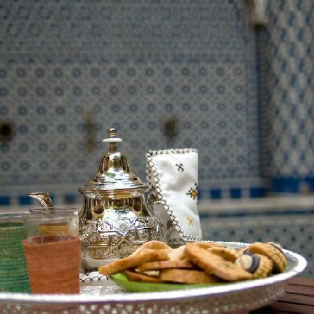 Riad La maison d'a cote: Un thé dans le patio
