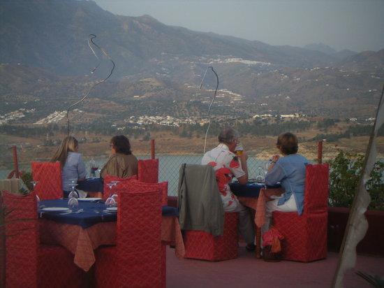 Vinuela, Spanyol: terraza del restaurante
