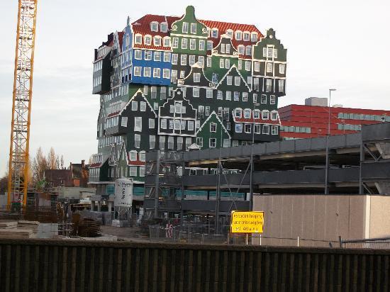 Inntel Hotels Amsterdam Zaandam: Storybook look to outside of hotel