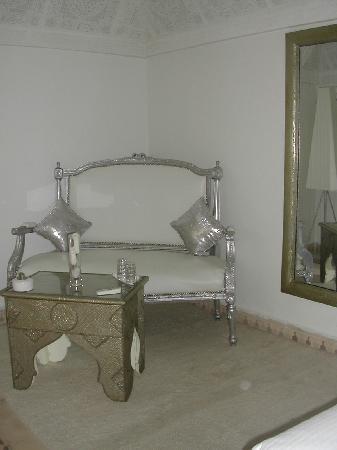 Riad Argan: salon de la chambre perle