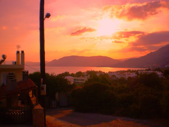 Pefkos Village Resort: Sunset over Pefkos