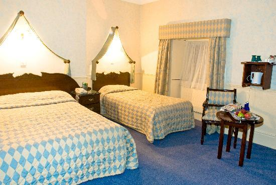 Club House Hotel: Bedroom