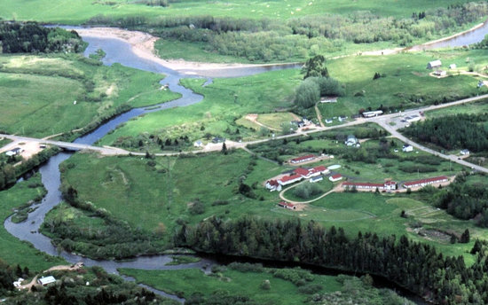 Margaree Riverview Inn: Aerial photo (the inn has the red roofs)