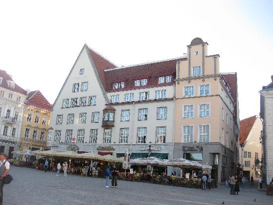 Tallinn Raekoja Residence: Town Square Apartment