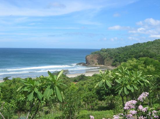 Parque Maritimo el Coco: Vista de la playa