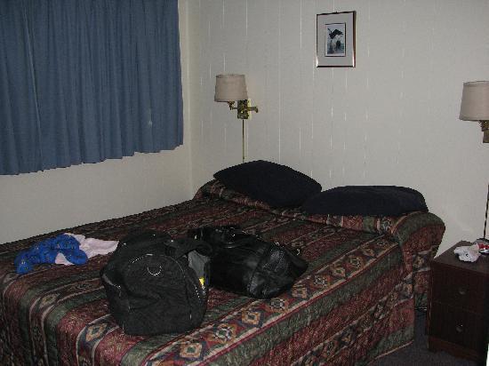 Kaslo Motel: queensize bead