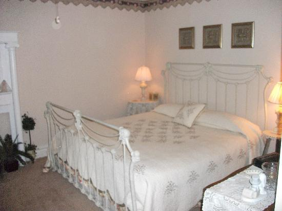 Rainbow House Bed and Breakfast and Wedding Chapel: The Honeymoon suite