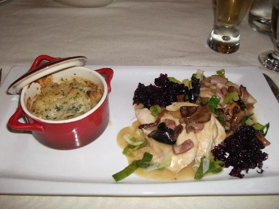 The Castle Inn: My mouth waters just looking at this meal I had.
