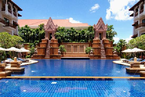 Sokha Angkor Resort: Salt-water pool