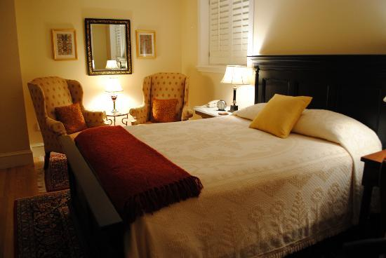 Embassy Circle Guest House: One of our bedrooms