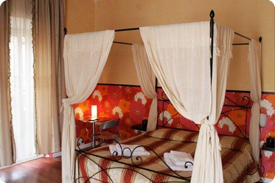 Prince of Via Veneto : A room at RetRome B&B