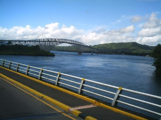 Pont de San Juanico : view of Leyte province from the bridge