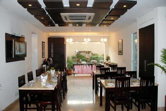 Dolphinn Grand: Restaurant