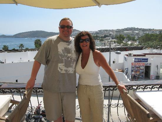 Geordies : Elaine (Owner) poses for picture with me from their bar terrace overlooking Gumbet Bay