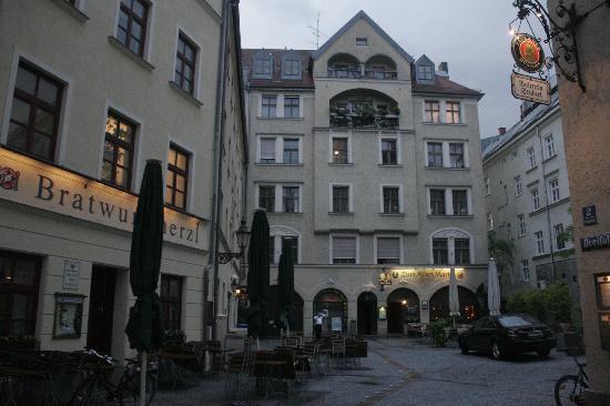 view from our bedroom bild von hotel am markt m nchen tripadvisor. Black Bedroom Furniture Sets. Home Design Ideas