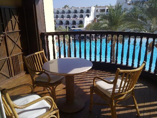 The Royal Savoy Sharm El Sheikh: Sitting area in the balcony