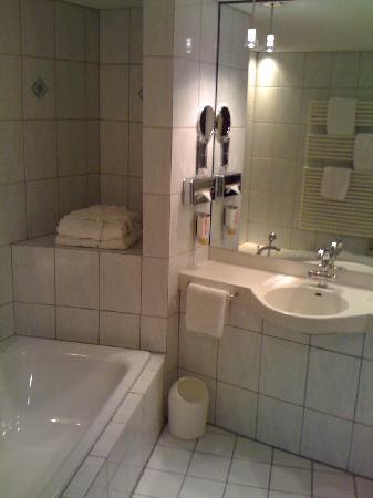 Top Hotel Meerane: Badezimmer